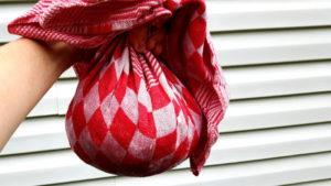 Foto von Kartoffeln im Handtuch