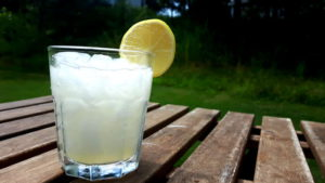 Foto von einem Glas Limoande