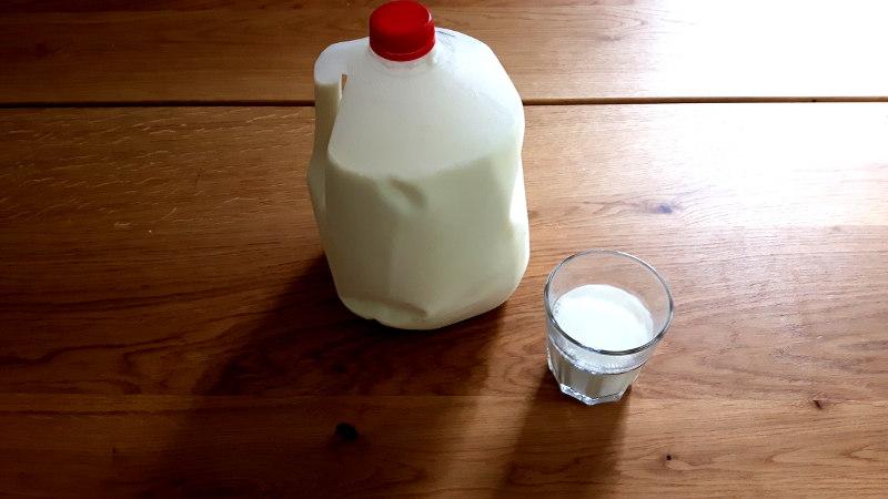 Foto von einer Milchgallone