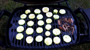 Foto von Zucchini auf dem Grill
