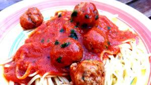 Foto von Tomatensoße mit Hackfleischbällchen